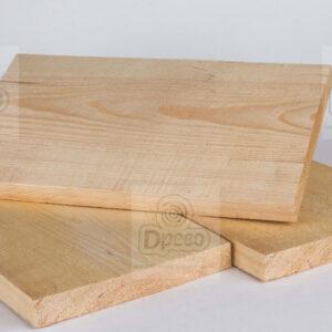 Брус деревянный свежепиленный